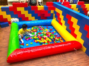 Small Giant Lego Play Zone
