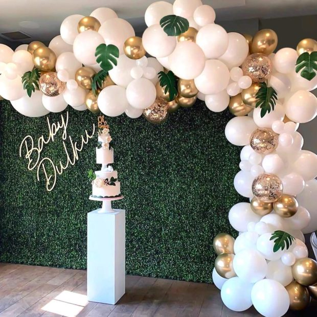Organic Balloon Garland with Grass Wall
