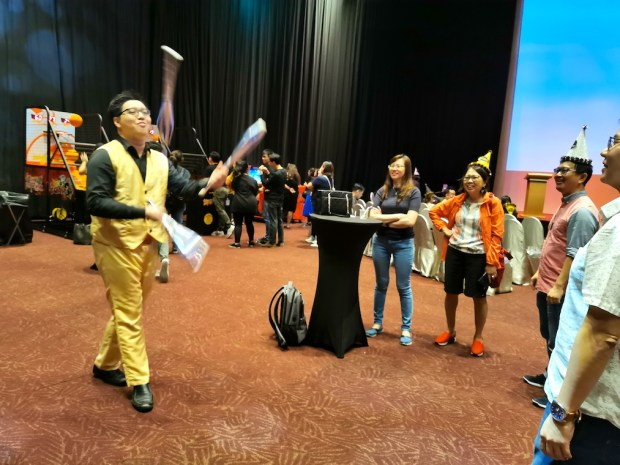 Roving Juggler for Hire Singapore