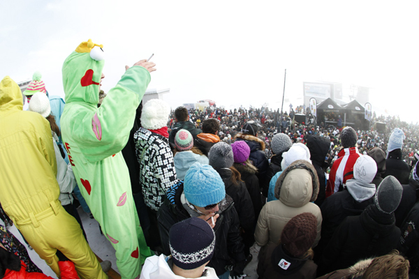 Rave on Snow 2009