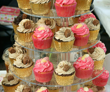 Pink and Gold Cupcakes for a Candy Buffet