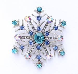 Blue snowflake brooch from Etsy