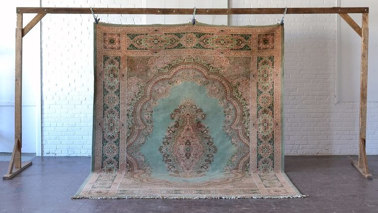 shabby chic area rug to rent for a boho wedding