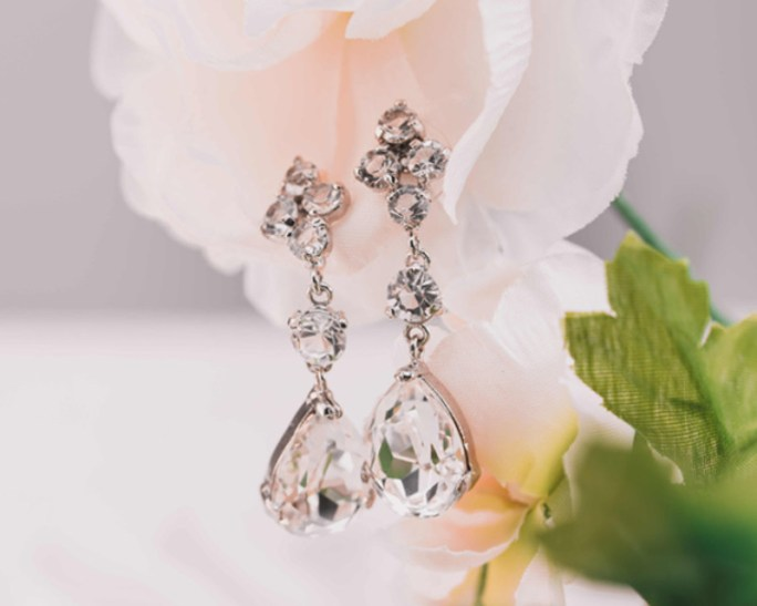 Helena_Silver Bridal Teardrop Earrings with Crystals
