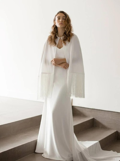 Elara_Stylish Boho-Chic Bridal Cape with Fringes