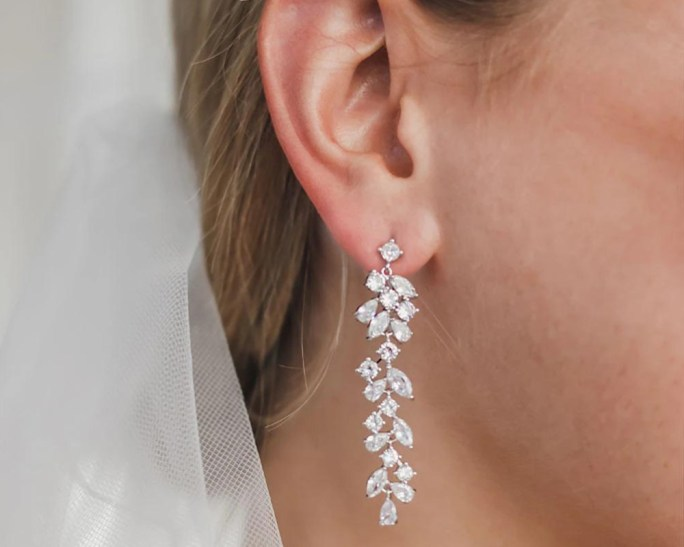 Tia_Silver Chandelier Wedding Bridal Crystal Pendant Earrings