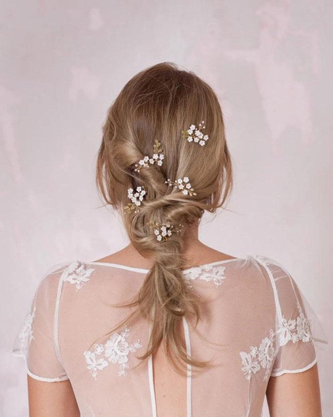 Lily_Set of 5 Bridal Hair Pins with white pearl flowers and crystals