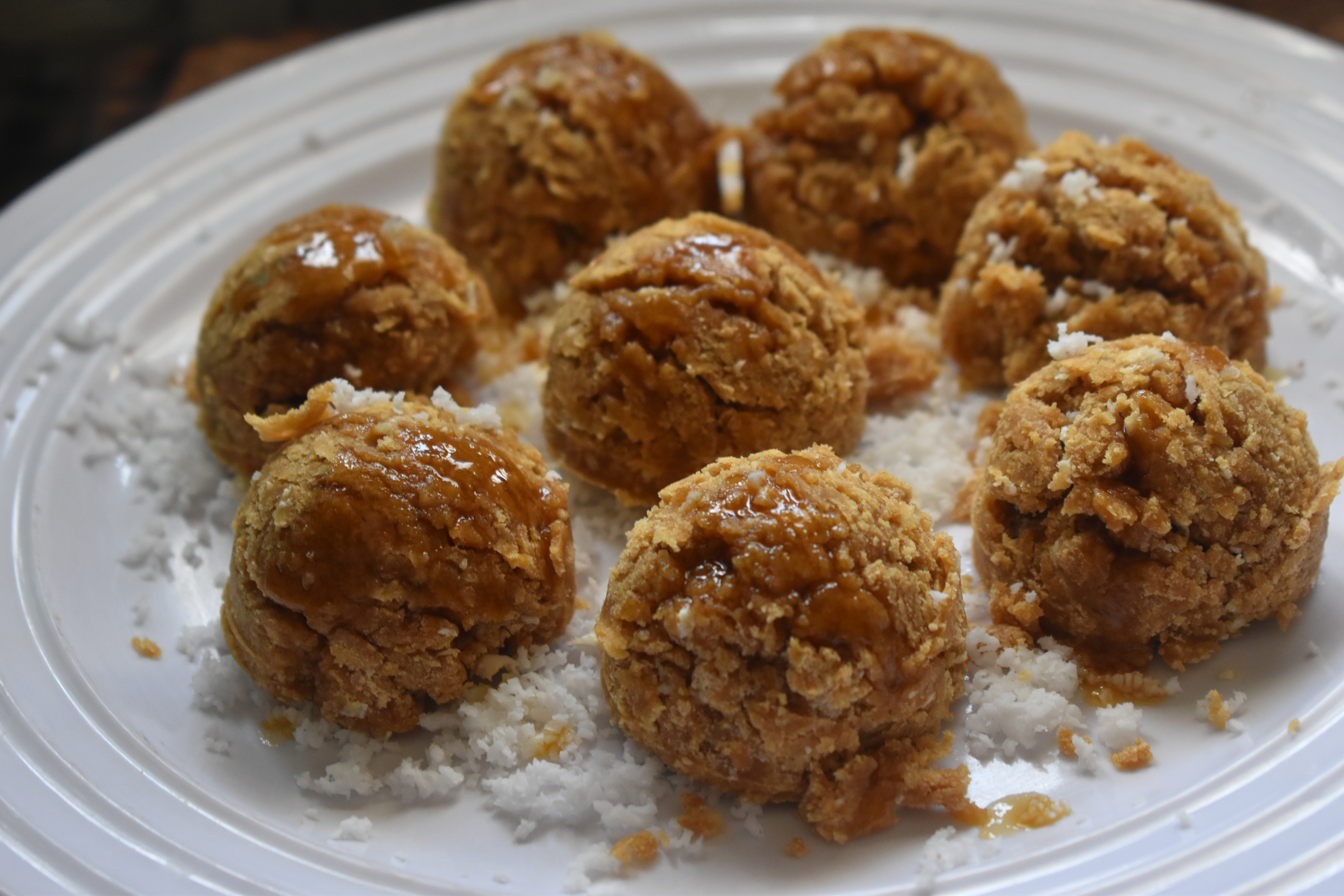 Roasted Rice Coconut Balls/Pori Arisi Urundai