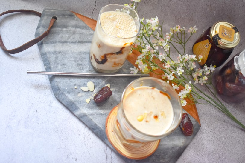 Dates Almond Breakfast Smoothie