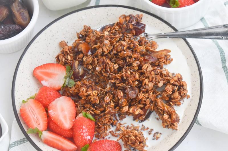 Homemade Maple Dates Granola