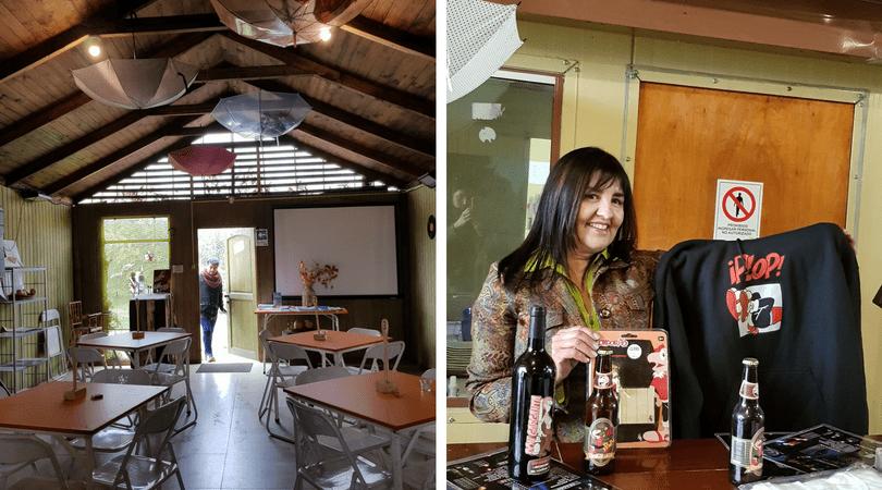"""Leonor Inzunza en el restaurant """" De Aquí no sale"""" nos muestra souvenirs de la historieta"""