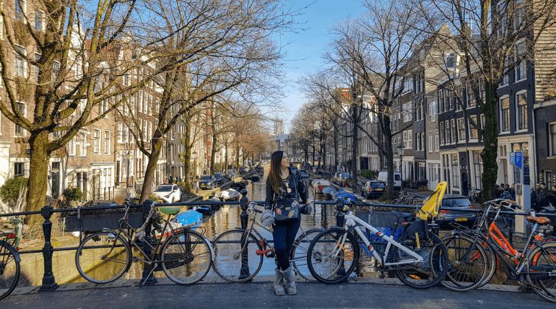Qué hacer en una escala en Amsterdam y cómo moverse desde Schipol