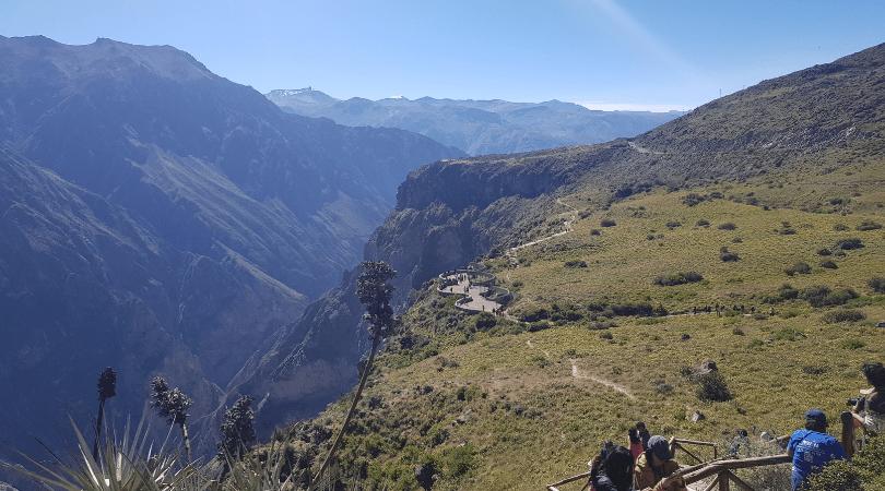 Las vistas y las pasarelas desde la Cruz del Cóndor