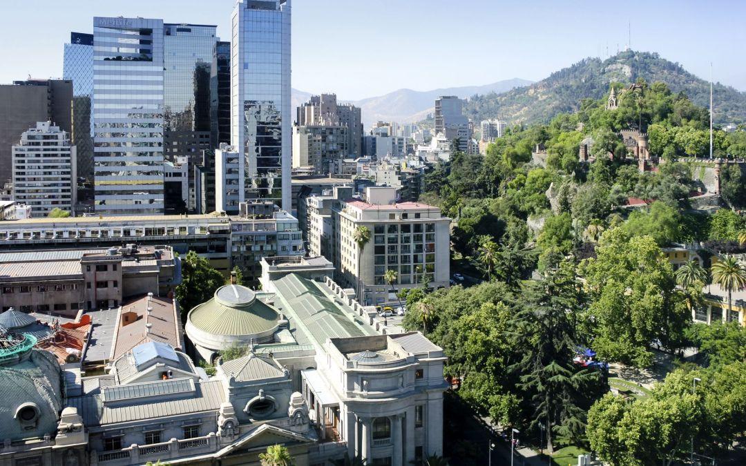Hotel Mercure Santiago reabre con cautivadora terraza abierta a público general