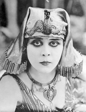 theda-bara-cleopatra3