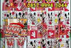 Gordyn Unik Kamar Cewek Mickey Mouse Merah Kotak Kotak