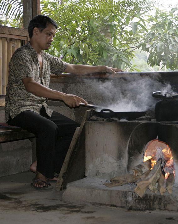 Kavos gamykla Indonezijoje