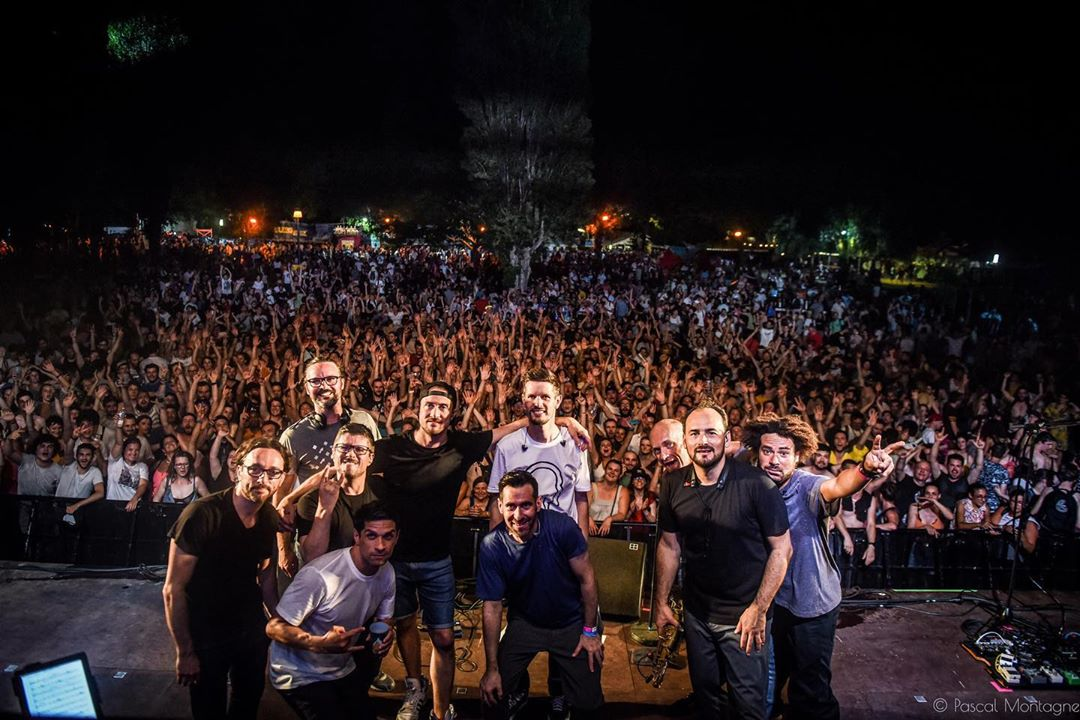 Comeback of @hocuspocusofficiel at @kampagnarts festival. A great moment. Thanks to @mrdooda , @mr20syl , @djgreem , Thomas Faure. Pascal Montagne for @37degres #concert #crowded #team #hocuspocus #gig #happiness #20syl #altta #c2c #hiphop #instagood #instalike