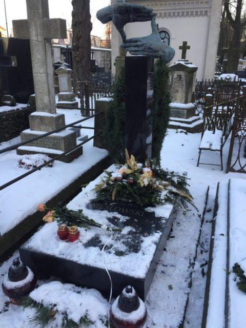 Cementerio Powązki Varsovia Polonia