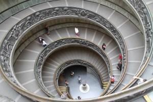Escalera Museos Vaticanos Roma