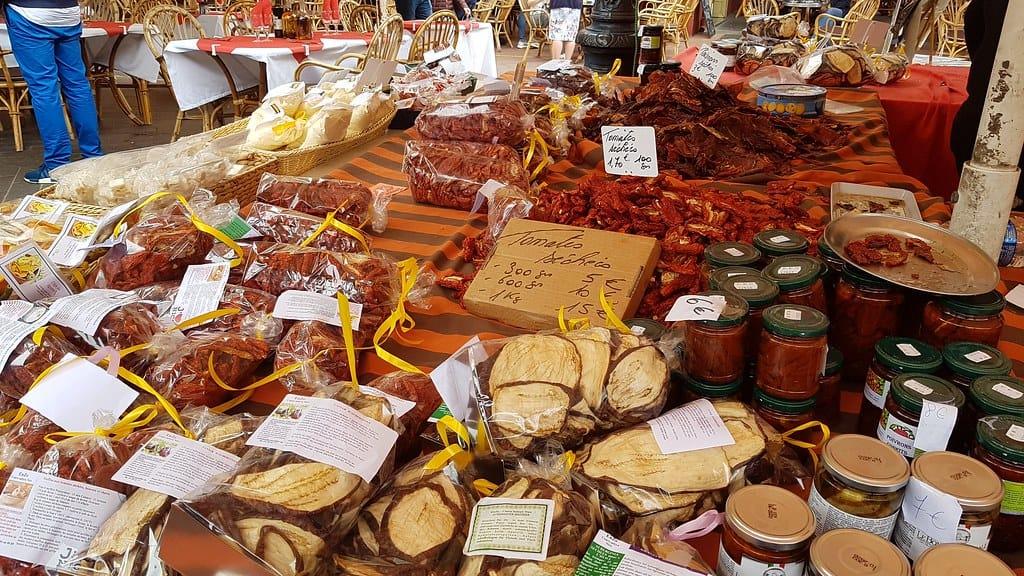 Qué ver en Niza: Mercado de las flores Cours Saleya