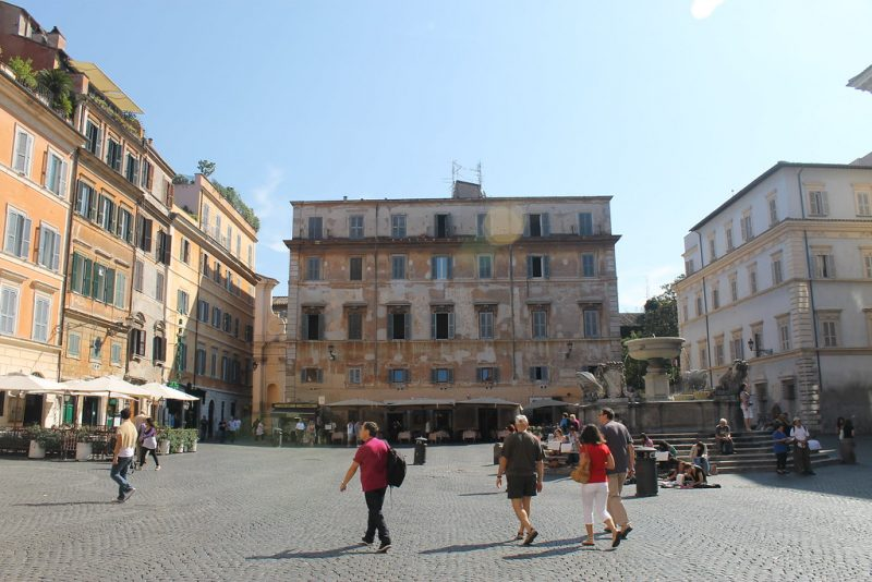 Piazza di Santa María in Trastevere Roma