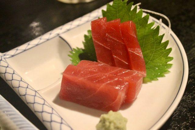 Atún rojo Omoide Yokocho Tokio