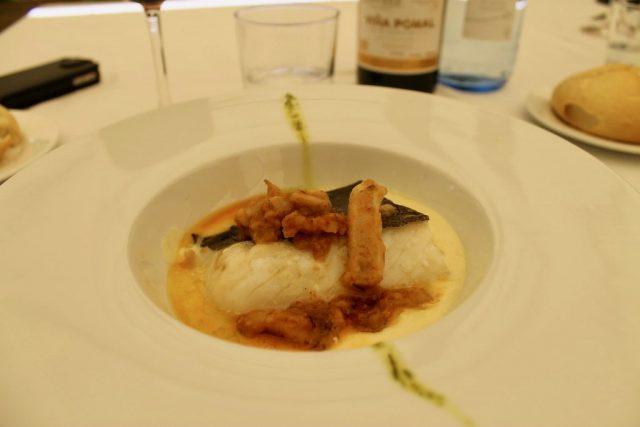 Bacalao confitado con crema de aceite de oliva y tripas estofadas La Artesa Candelario