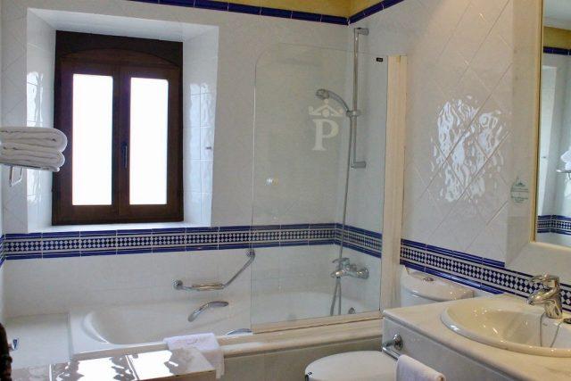 Baño Parador de Gredos