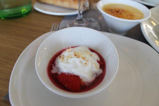 Jugo de frutos rojos con helado Basque Culinary Center