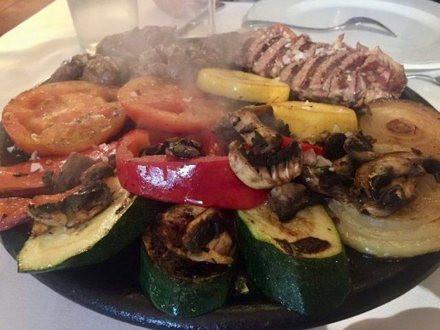 Parrillada de buey y verduras La Posada de Candelario