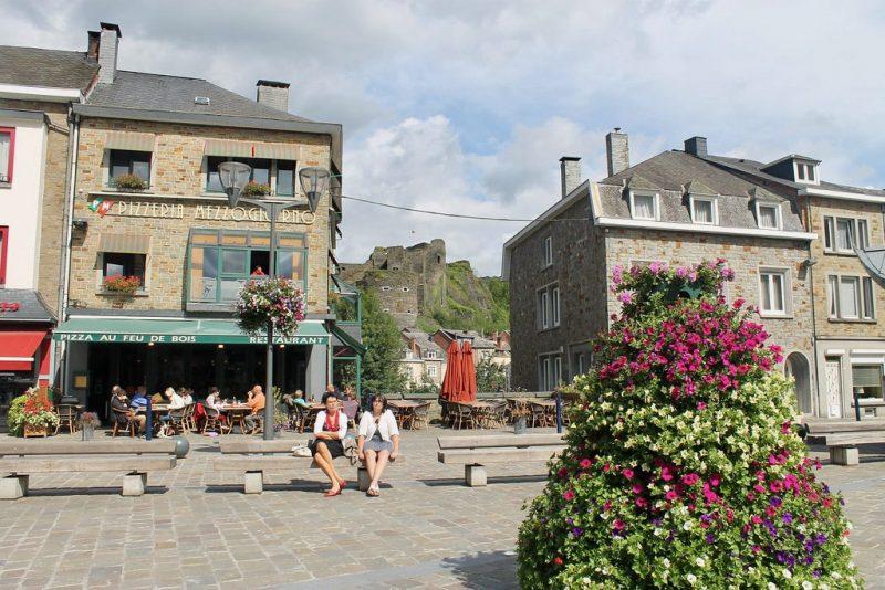Plaza La Roche en Ardenne Belgica