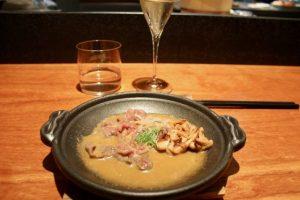 Ternera wagyu en cazuela japonesa Koy Shunka Barcelona