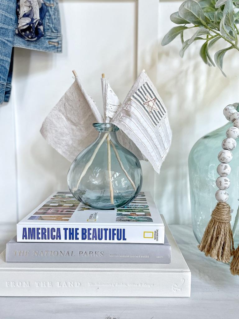 simple and neutral patriotic decor
