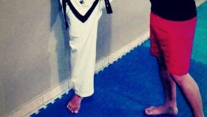 entrenar taekwondo descalzo