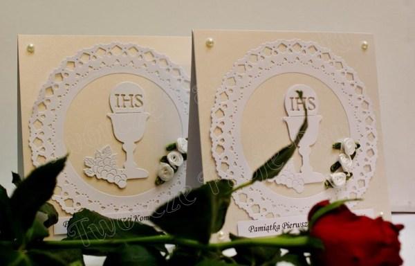 Pamiątki komunijne z kwiatkami