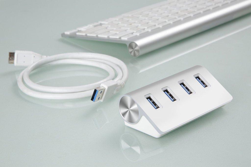 Cateck プレミアムアルミニウム 4ポート USB 3.0ハブ