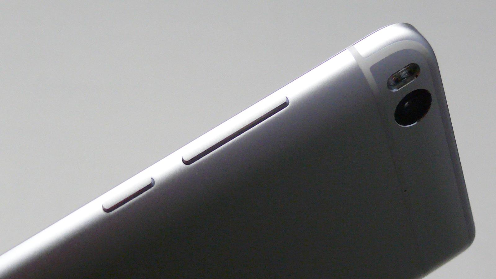 Xiaomi Mi5s 右側面 物理ボタン