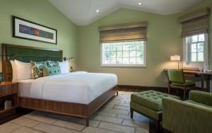JUST Inn Isosceles suite bedroom