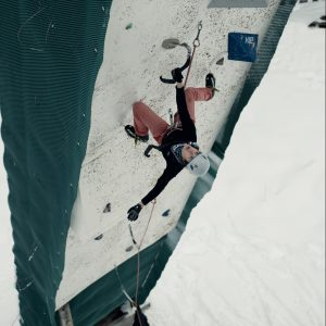 escalade sur glace drytooling ffcam montagne quia mountain adventure ice climbing france french team training
