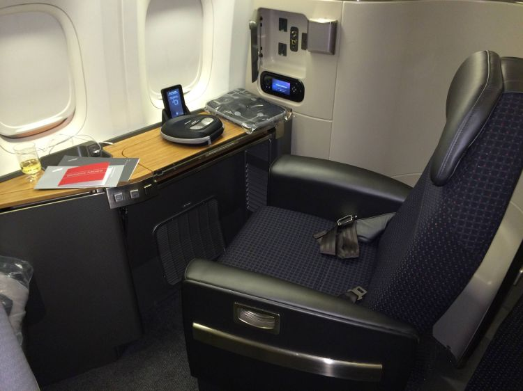 American Airlines Primeira Classe Boeing 777-300ER Flagship Suite