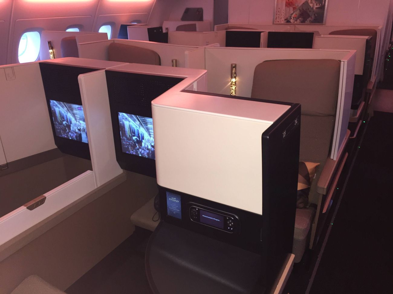 Etihad A380 Business Studio Class PassageirodePrimeira-05