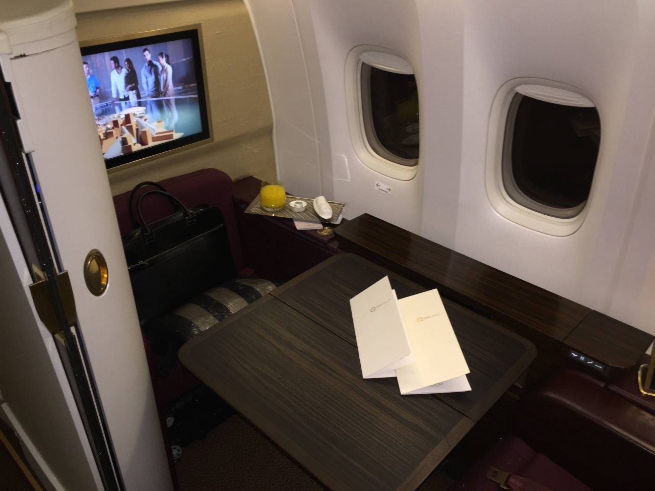 Jet Airways B777 First Class Etihad Passageiro de Primeira-17