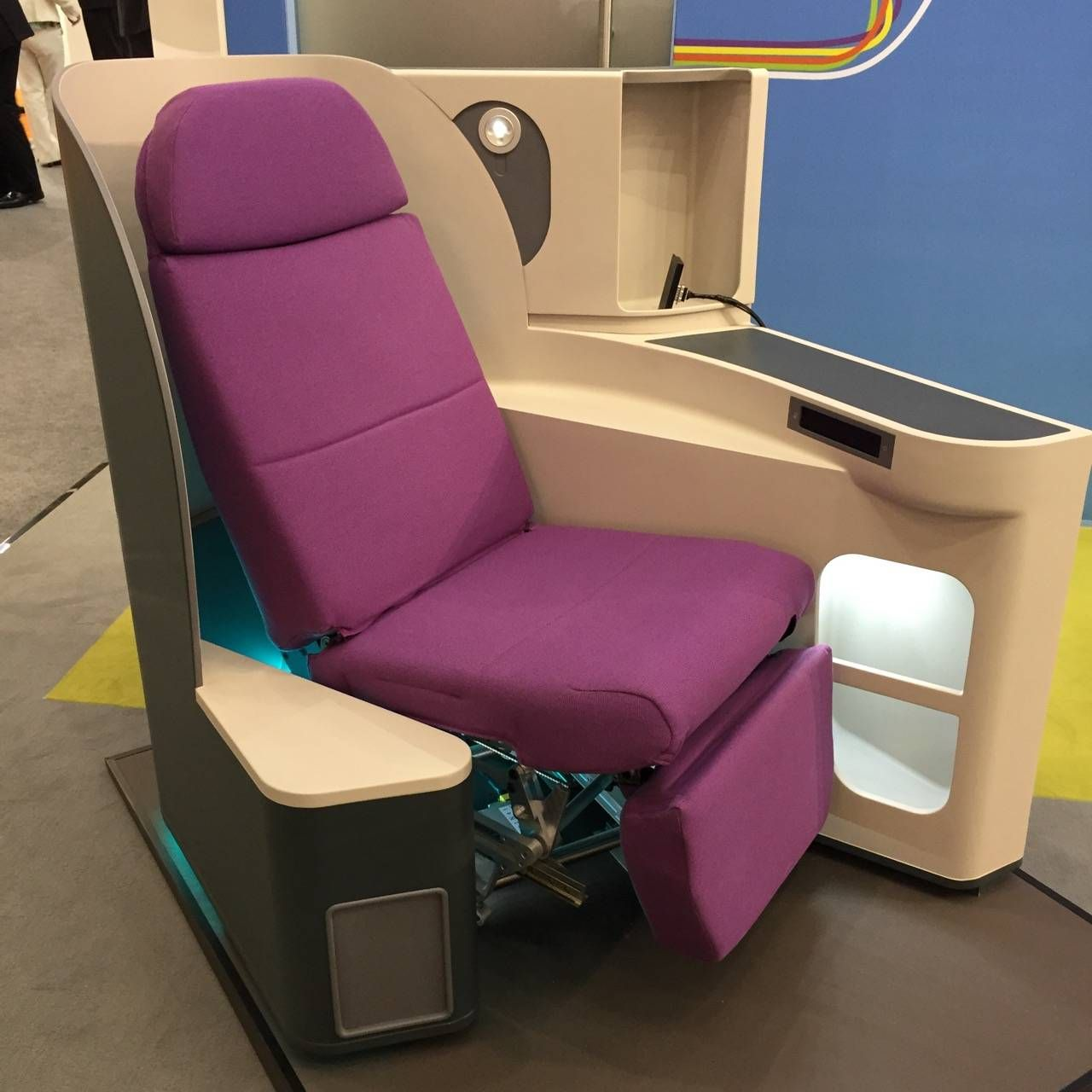 Aircraft Interiors Expo 2015-016