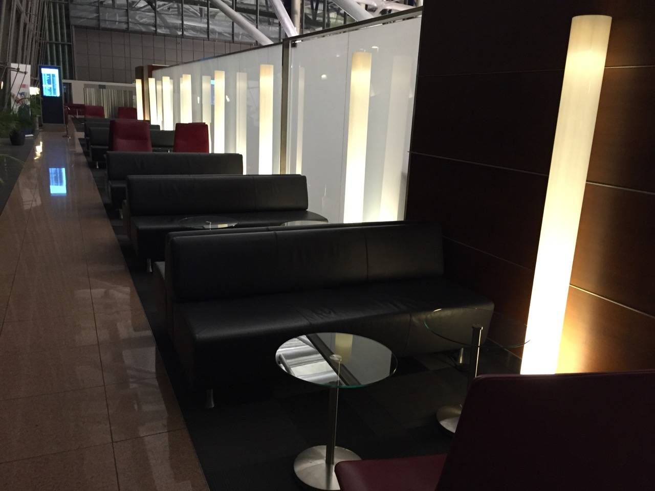 Hamburg Airport Lounge -012