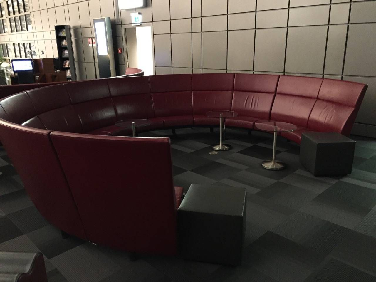 Hamburg Airport Lounge -014
