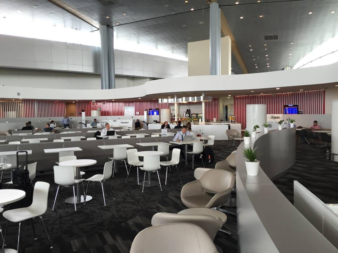 Avianca Lounge Bogota -017