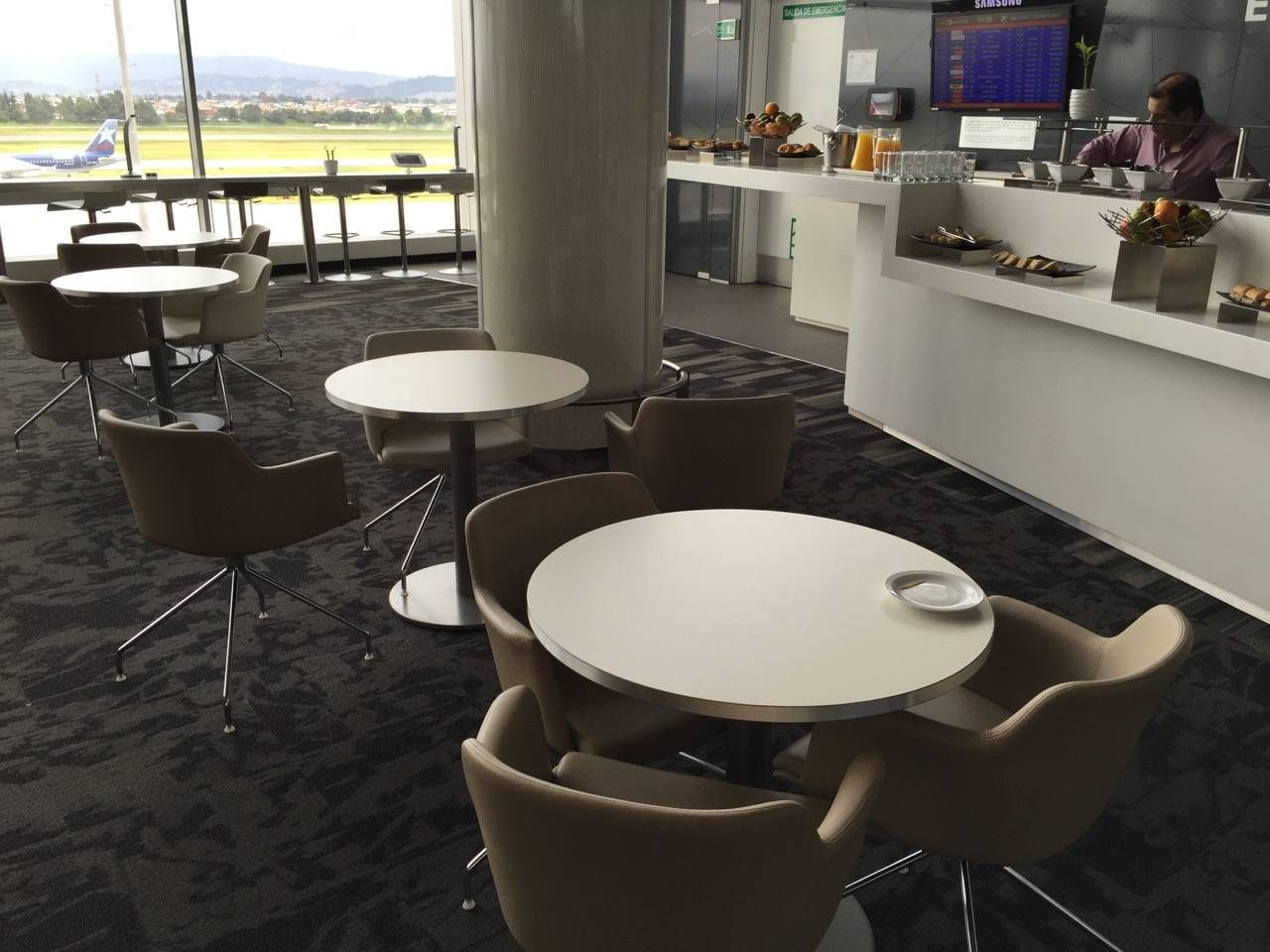 Avianca Lounge Bogota -022