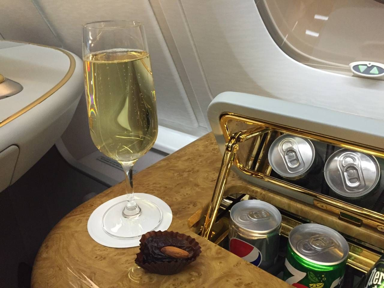 Emirates First Class PVG-DXB-025