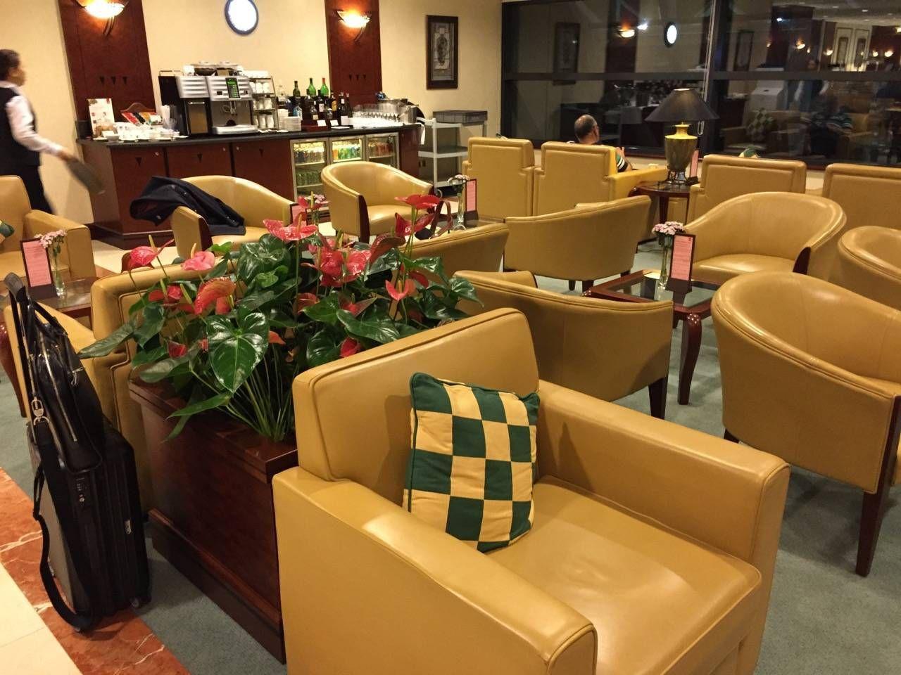 Emirates Lounge Shanghai-018